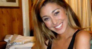 Belen Rodriguez festeggia su Instagram, senza veli su un'altalena