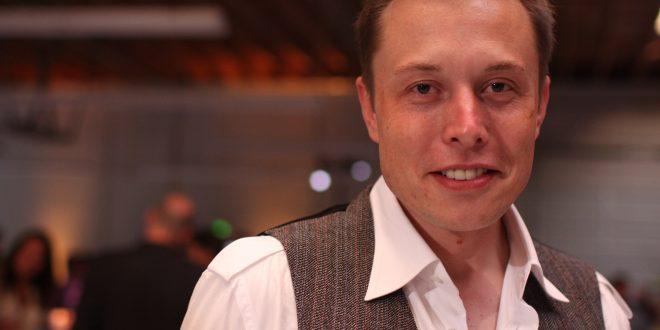Elon Musk dalla Terra a Marte promette 'Sul pianeta rosso nel 2025'