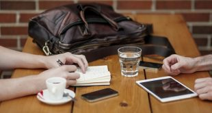 Opzioni binarie con smartphone e tablet, il trading per chi investe in mobilità