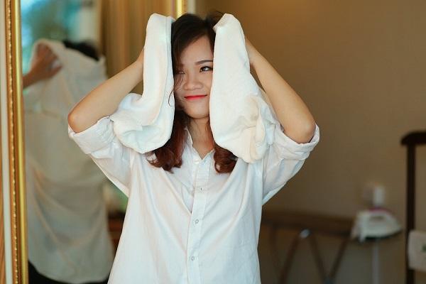 Cina donna sente tutte le voci tranne quella del for Quella del tavolo e liscia