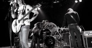 Eagles of Death Metal, band americana esclusa da due show in Francia
