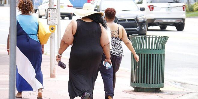 Obesità può essere contagiosa con lo scambio di flora batterica