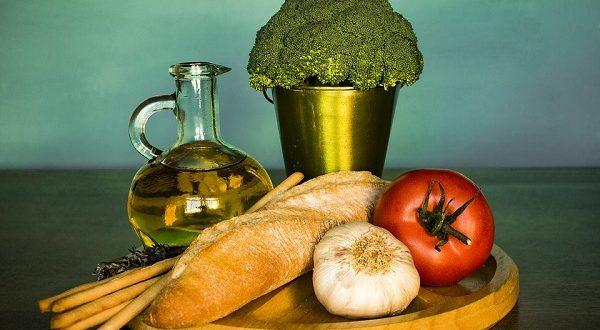 Abbinare olio extra vergine al cibo, bocciati 8 italiani su 10 tra errori e false credenze