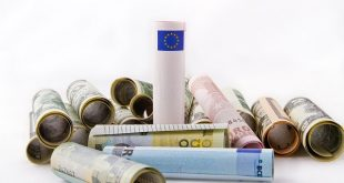 Cambio valuta euro dollaro, gli scenari nel pieno delle incertezze politiche