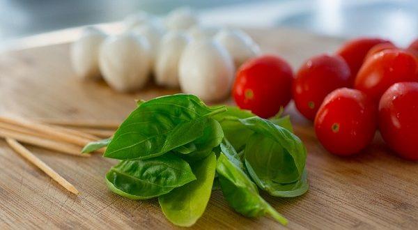 Dieta mediterranea ideale contro la depressione, vita più lunga e più felice
