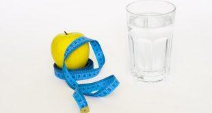 Dieta 'mima-digiuno' per pochi giorni al mese aumenta la speranza di vita